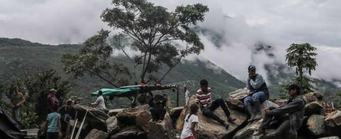Families evacuated from their homes near EPM's Hidroituango dam, which was financed by Canada's export bank, in May 2018. Photo by Joaquin Sarmiento/AFP/Getty Images.